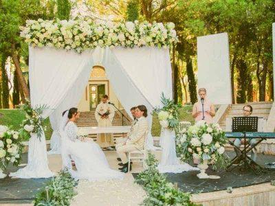 wedding-decoration-seville-flower-arch-1