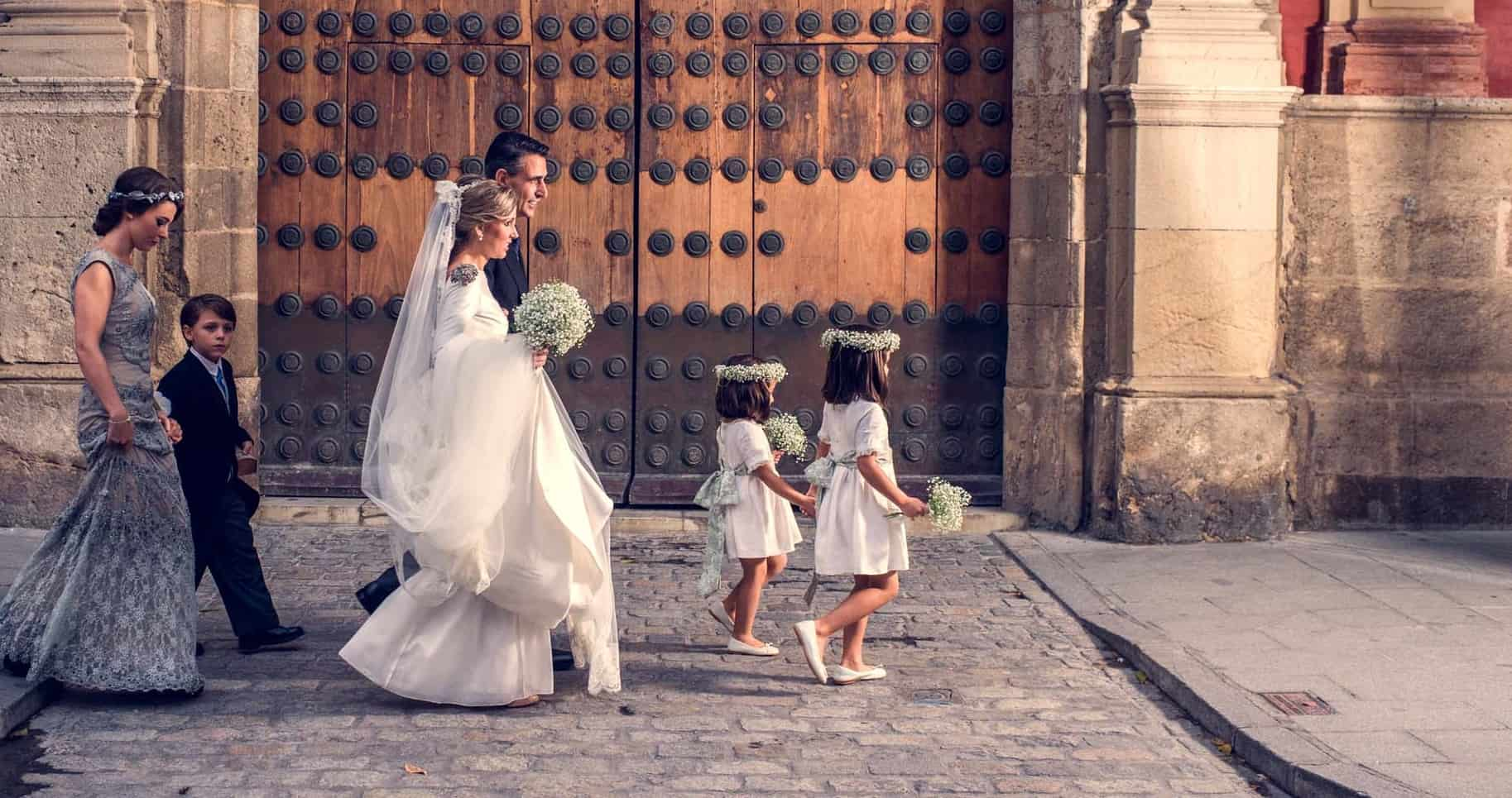 ROMANTIC WEDDING IN SEVILLE